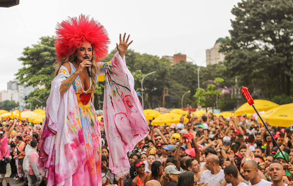Daniela Mercury e Anitta encerram Carnaval em São Paulo