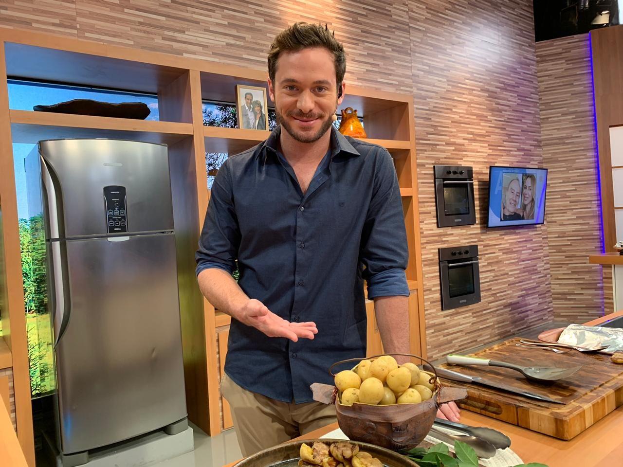 Chef Dalton tira dúvidas culinárias em live no YouTube; envie a sua