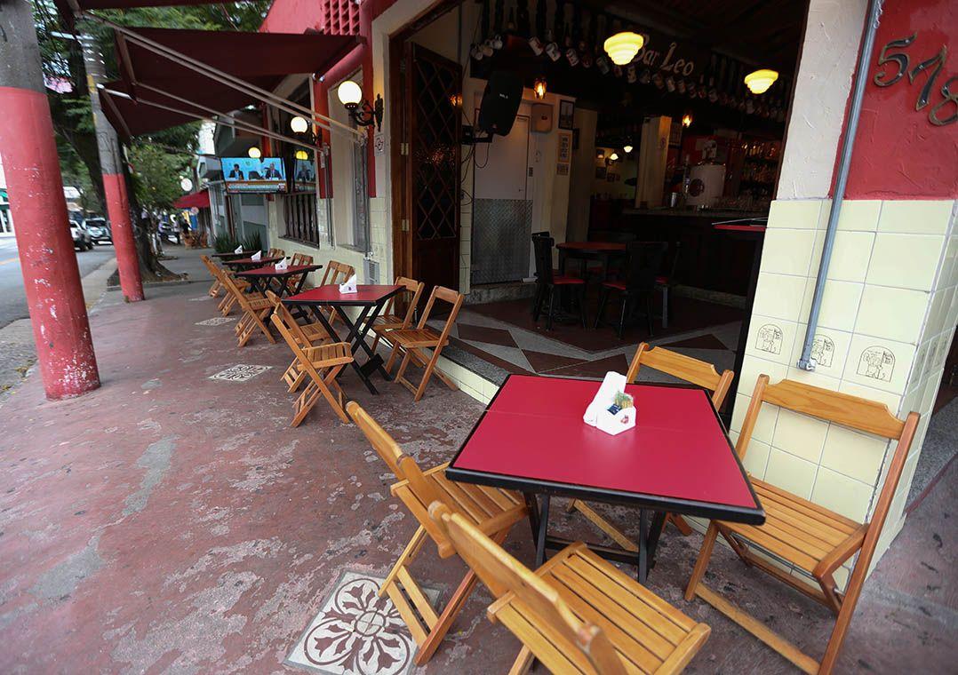 SP vai liberar esta semana uso de calçadas por bares e restaurantes
