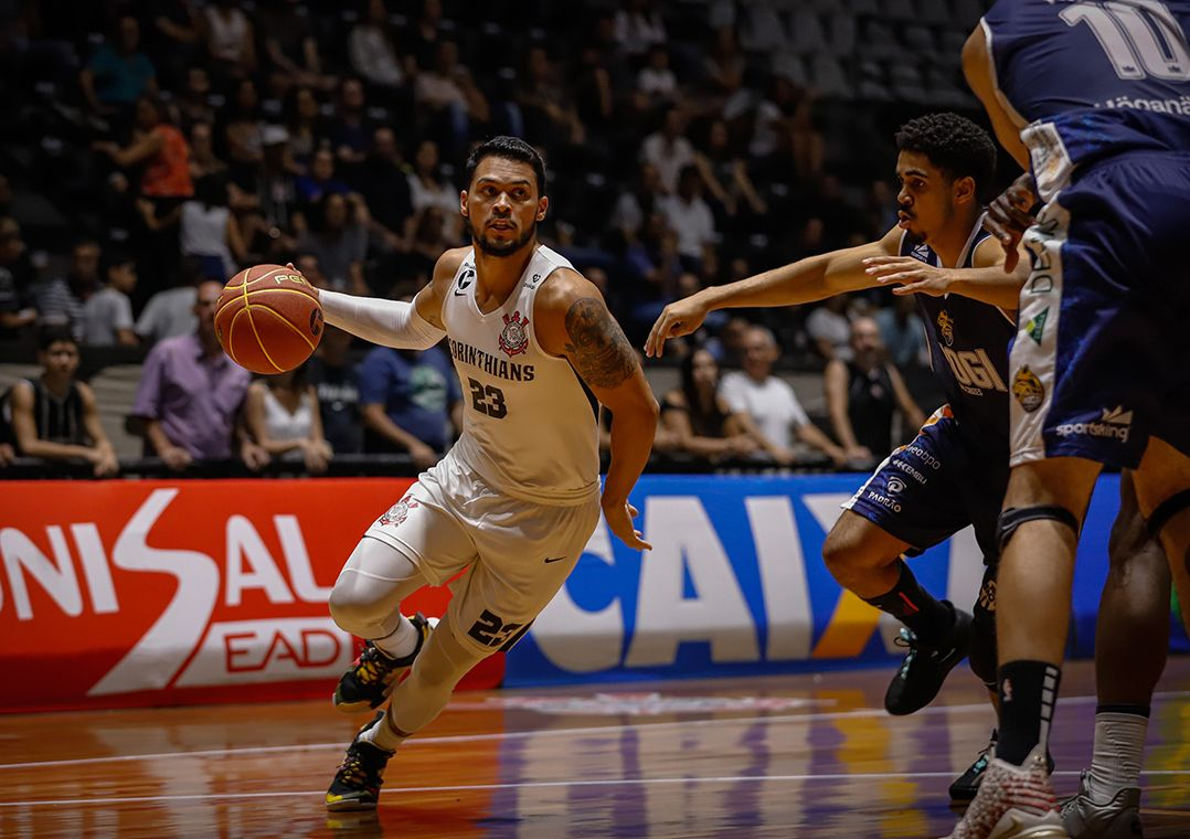 Andrés confirma que Corinthians vai 'interromper' time de basquete