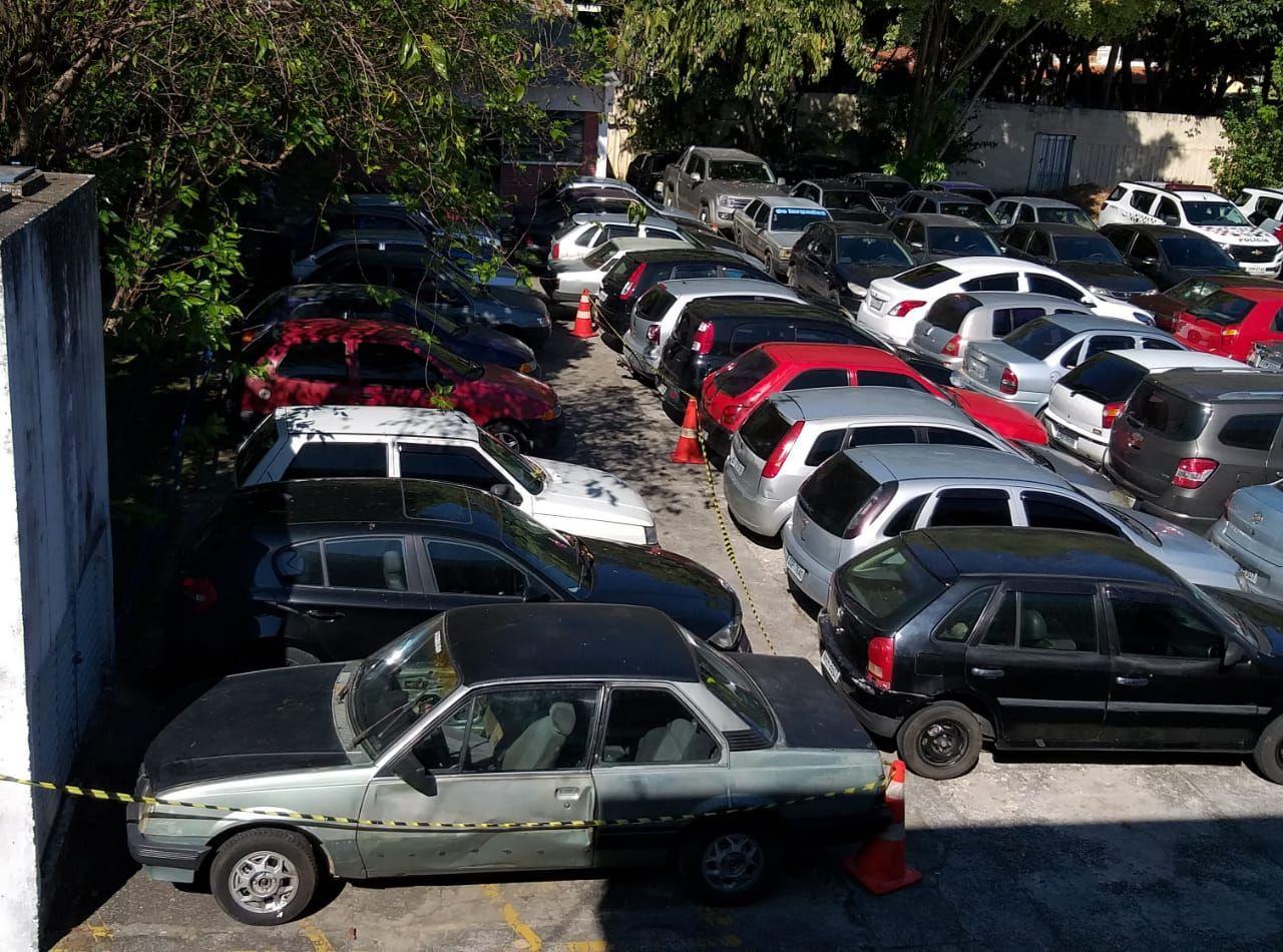 PM apreende 82 veículos em ação contra o fluxo em São José dos Campos