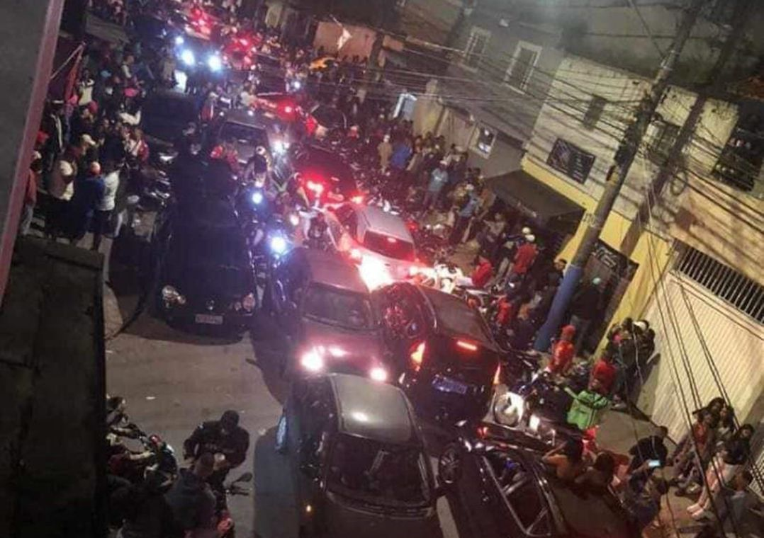 Imagem mais compartilhada Bailes funk acontecem em São Paulo em meio a pandemia de Covid-19