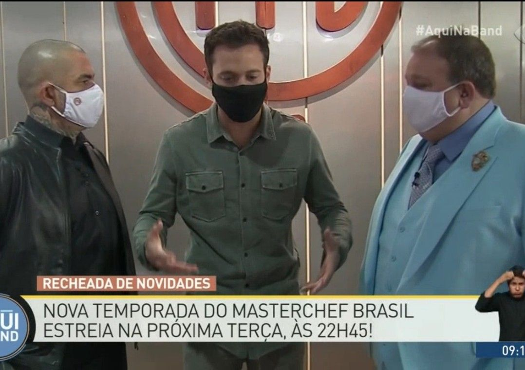 Dalton Rangel visita estúdio do MasterChef