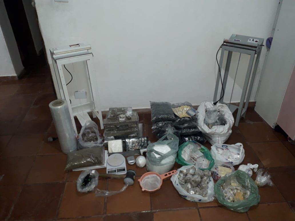 Baep localiza refinaria de drogas em Pindamonhangaba