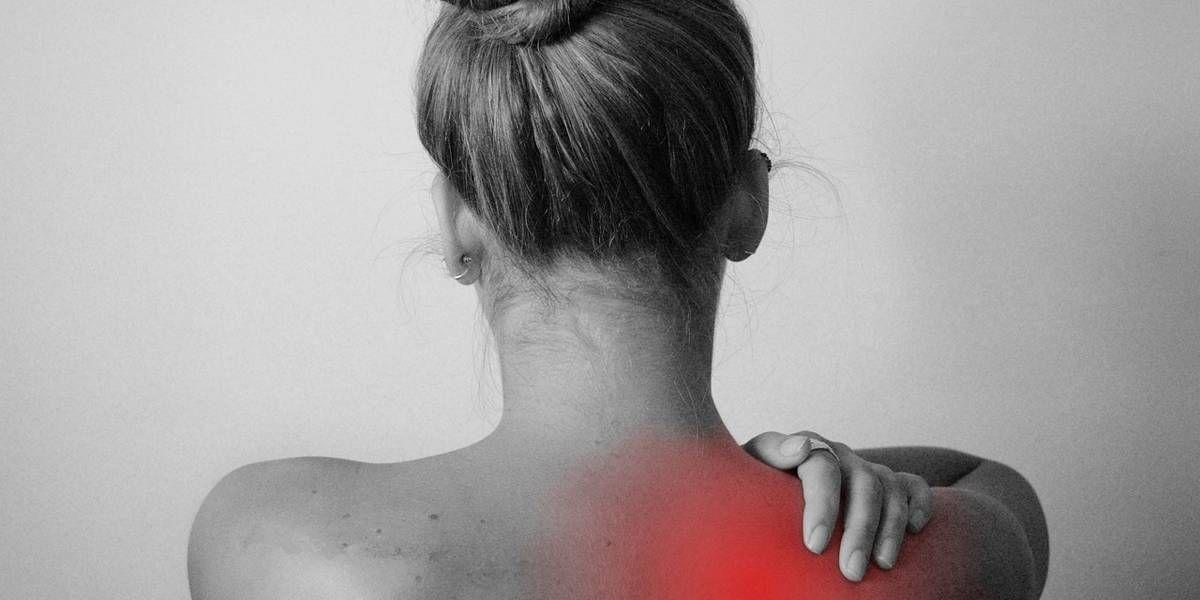 3 exercícios simples para melhorar a postura e evitar a dor nas costas