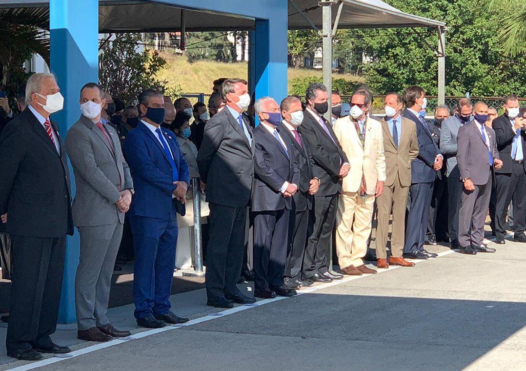 Bolsonaro participa de cerimônia de partida da comitiva brasileira em missão ao Líbano