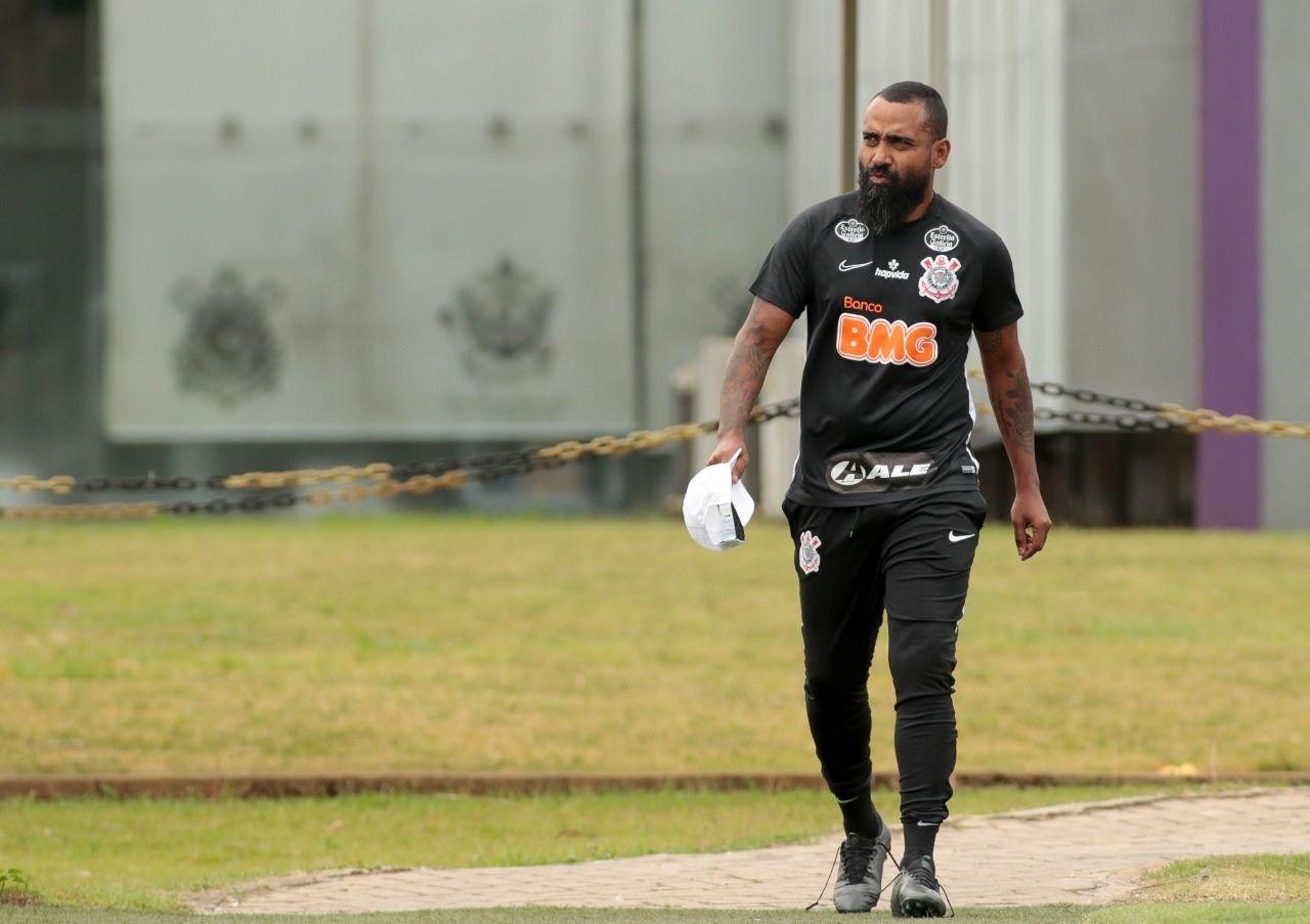 Coelho quer Corinthians agressivo em campo: Gosto de jogar pra frente