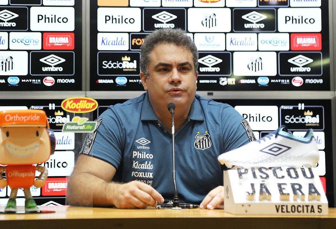 Santos pode perder pontos no Brasileirão, alerta presidente