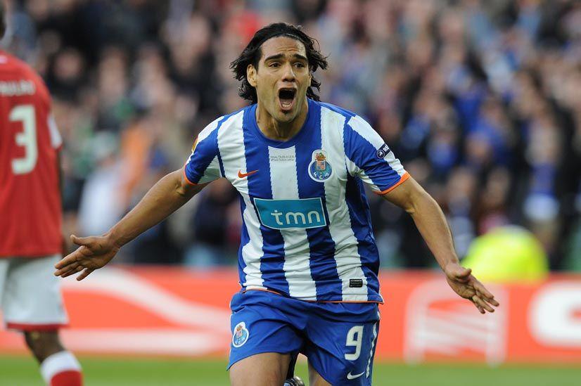 Falcao comemora gol que deu o título ao Porto