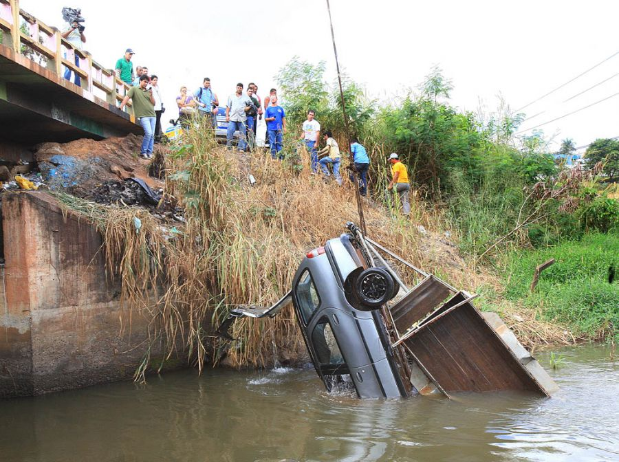 Motorista perdeu o controle em Goiás