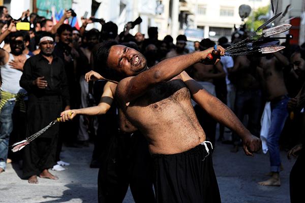 Xiitas celebram a Ashura (Atenção: imagens fortes)