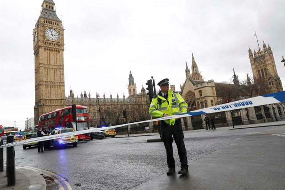 Ataque em Londres deixa feridos