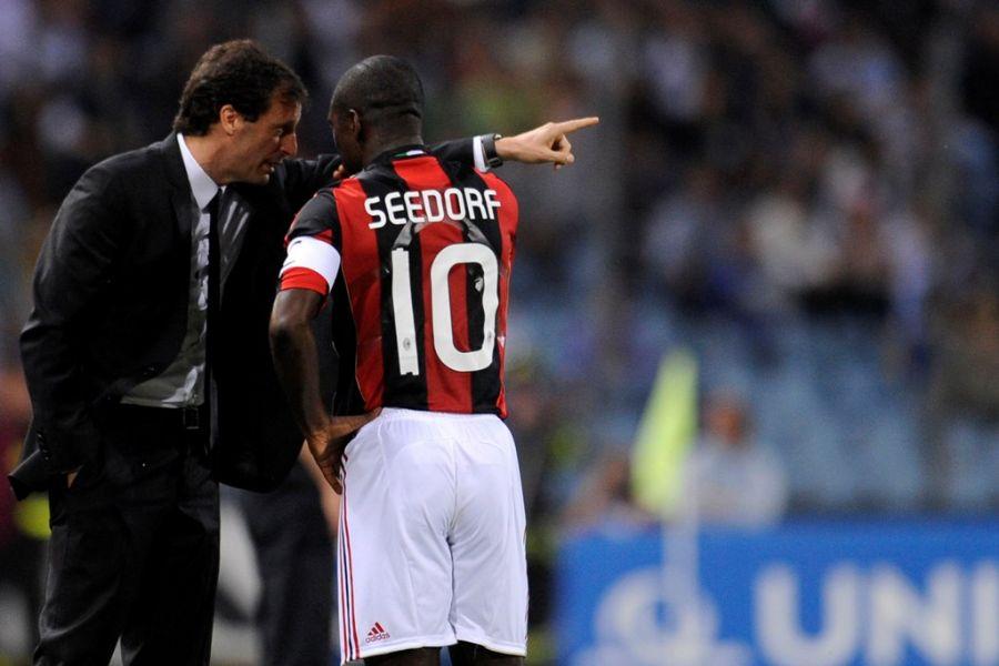 Seedorf deu as costas para o Corinthians e vai permanecer no Milan