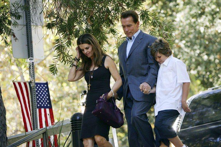 Schwarzenegger, Maria Shriver  e Christopher, filho do casal, em imagem de 2006