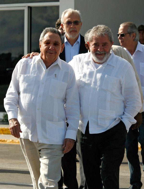 Lula se reuniu com Raúl Castro e revisou projetos financiados por Brasília