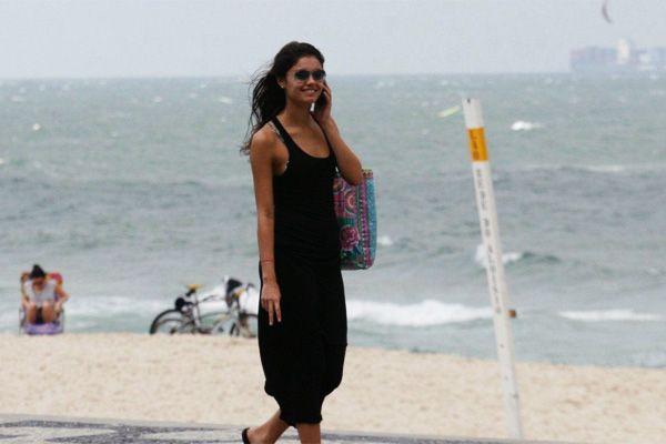Sophie Charlotte passeia sozinha no Rio / Foto: J. Humberto/AgNews