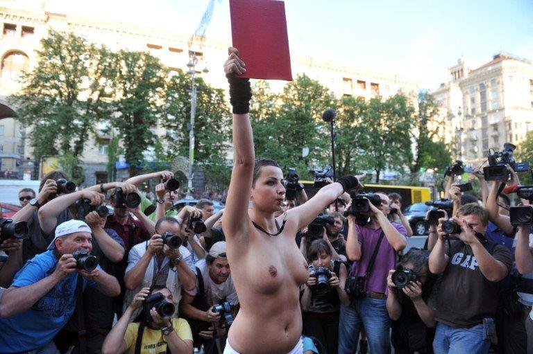 A ativista foi detida por um segurança