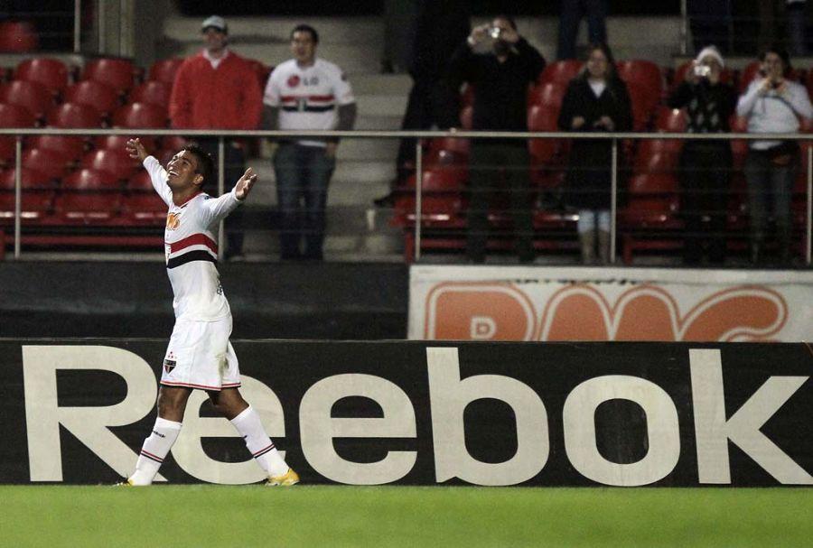 Casemiro abriu o placar para o São Paulo na vitória por 3 a 1 para o Grêmio
