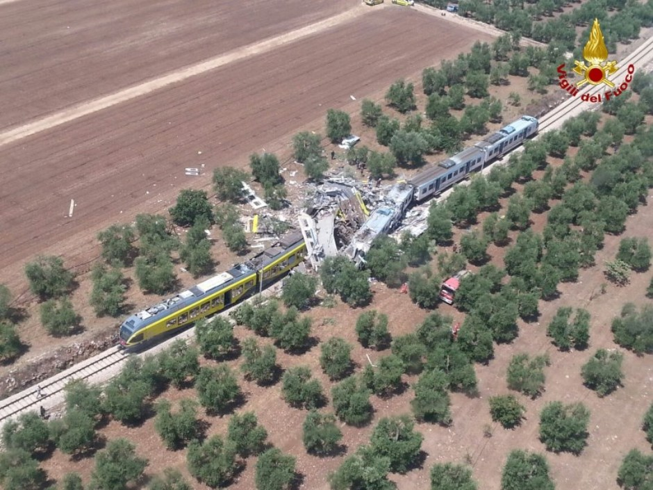 Choque entre trens deixa mortos na Itália