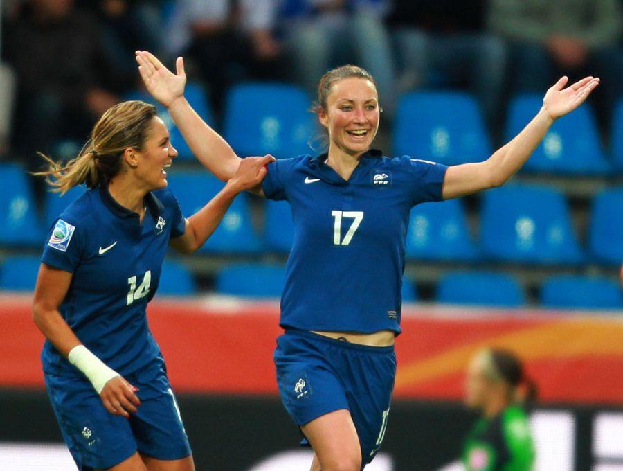 Gaetane Thiney marcou duas vezes na vitória contra o Canadá / Foto: Roland Weihrauch/AFP