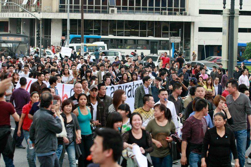 Lojistas da 25 de Março realizam um protesto na tarde desta sexta na região da Avenida Paulista / Foto: Mario Angelo/Futura Press