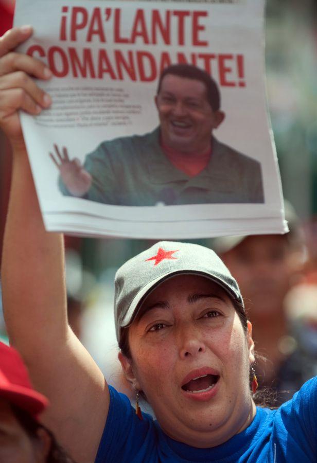 População demonstra apoio a Chávez / Foto: Juan Barreto/ AFP