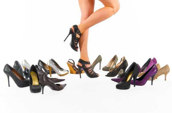 Solução é variar entre o salto alto, o baixo e a sapatilha / Foto: Junker/Shutterstock
