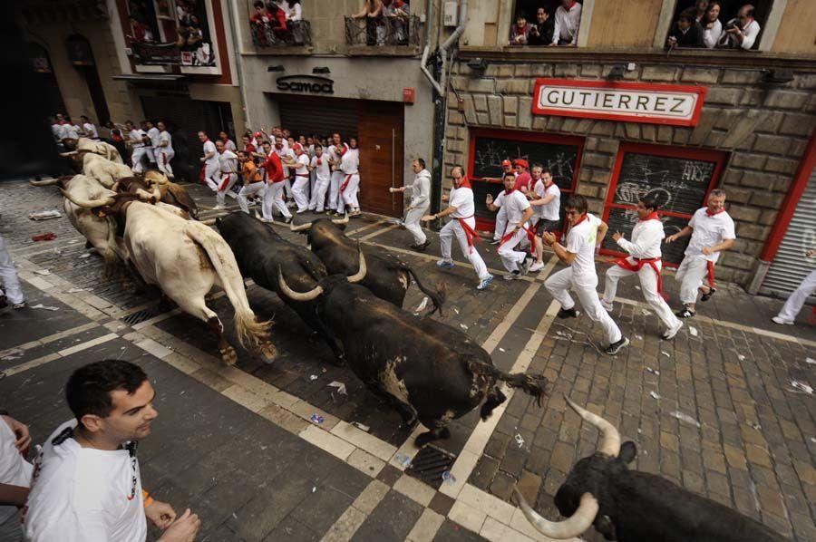 Corrida de touros é a grande atração do festival em Pamplona  / Foto: Pedro Armestre/ AFP