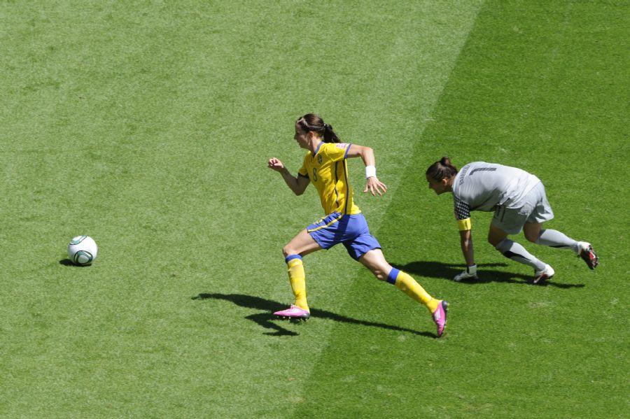 A Suécia selou a vitória com drible na goleira australiana / Foto: John Macdougall/AFP