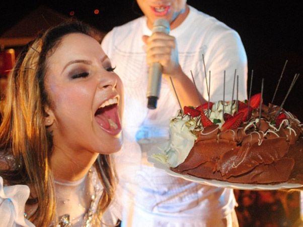 Claudia Leitte apaga as velhinhas em cima do trio / Foto: Felipe Souto Maior/Divulgação