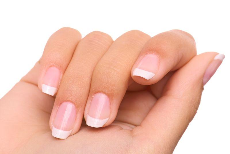 Segundo especialistas, analisando as unhas é possíver tirar conclusões sobre o estado de saúde de cada pessoa / Tania Zbrodko /Shutterstock