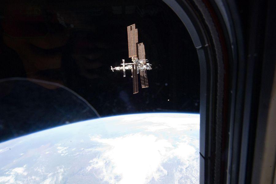 Estação Espacial Internacional foi ameaçada por destroços de satélite / NASA/AFP