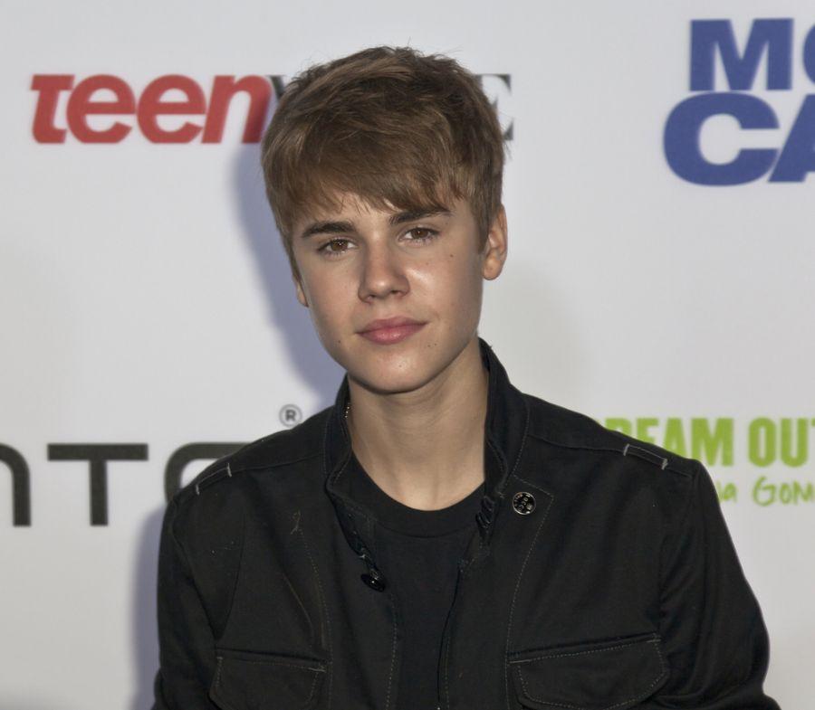 Bieber recheou conta bancária com ritmo pop e letras românticas / lev radin/Shutterstock
