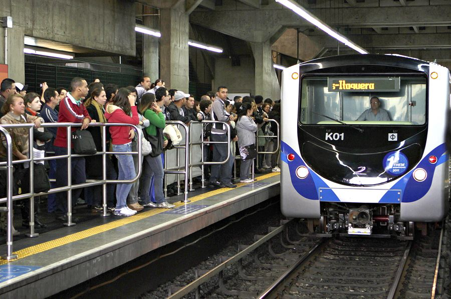 Metroviários cancelam greve, e metrô circula normalmente em SP nesta quarta