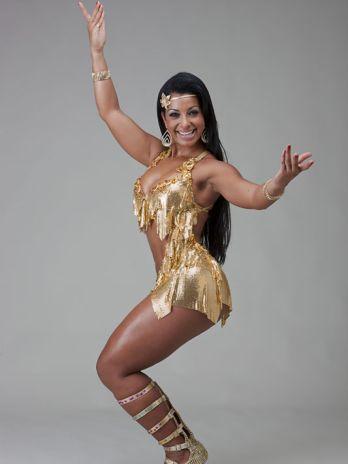 ... Santos é escolhida como musa do Carnaval de Angola Foto: Divulgação