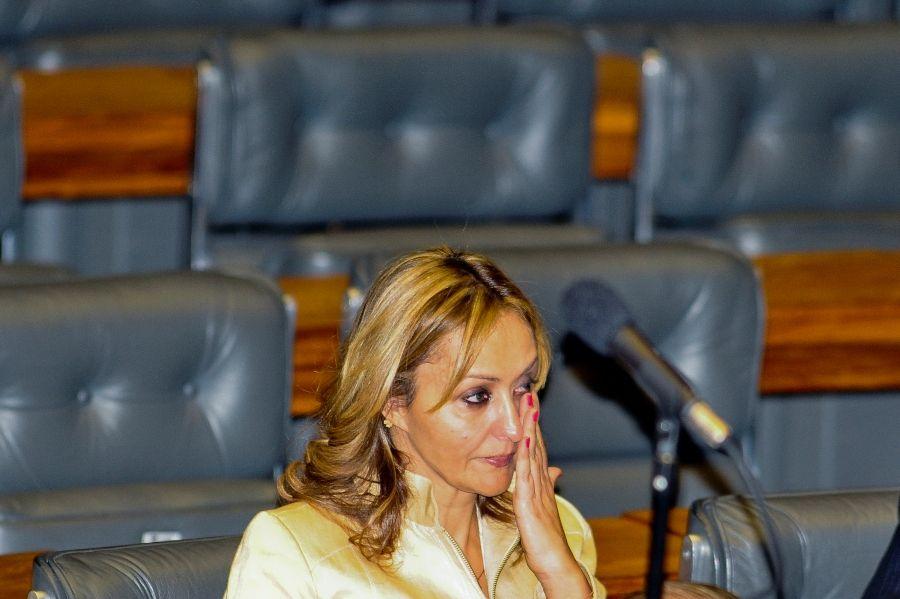 A deputada Jaqueline Roriz chorou durante sessão plenária da Câmara / Foto: Valter Campanato/ABr