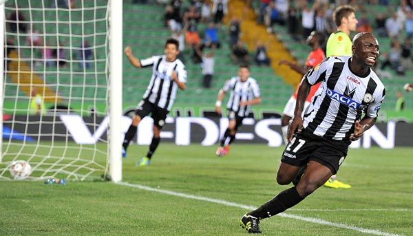 Udinese libera Armero para o Flamengo