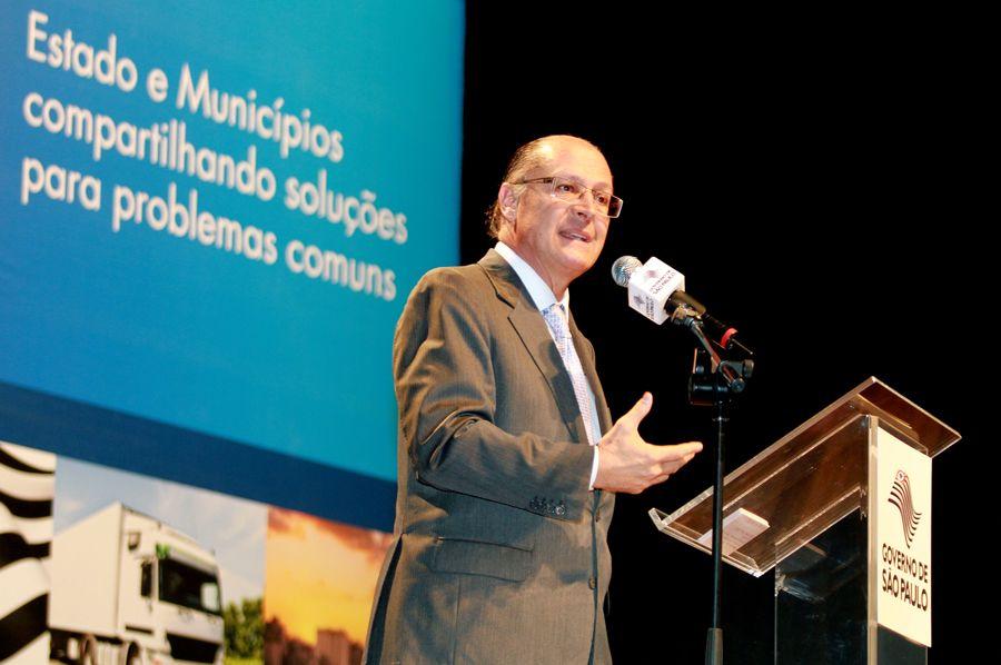 Alckmin assinou decreto com força retroativa, para barrar fichas-sujas do governo / Ciete Silvério/ SP Noticias
