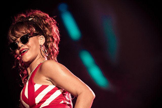 Rihanna deve ganhar papel de vilã em filme  Cinema  band.com.br - band.uol....