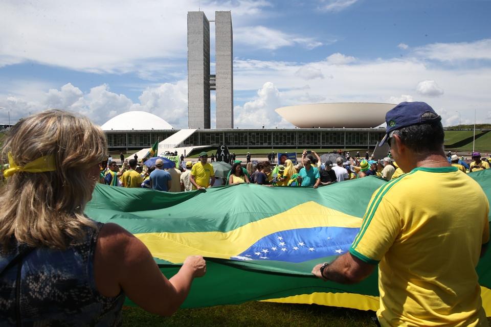Protestos pelo Brasil têm baixa adesão