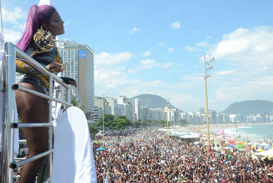 Ludmilla canta na Parada LGBT do Rio de Janeiro