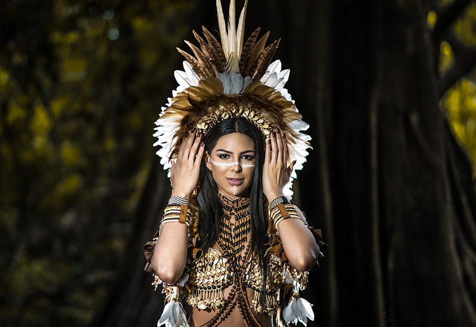 Miss Brasil 2018 realiza ensaio em tribo indígena