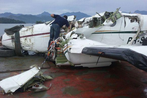 Veja fotos do avião que caiu em Paraty