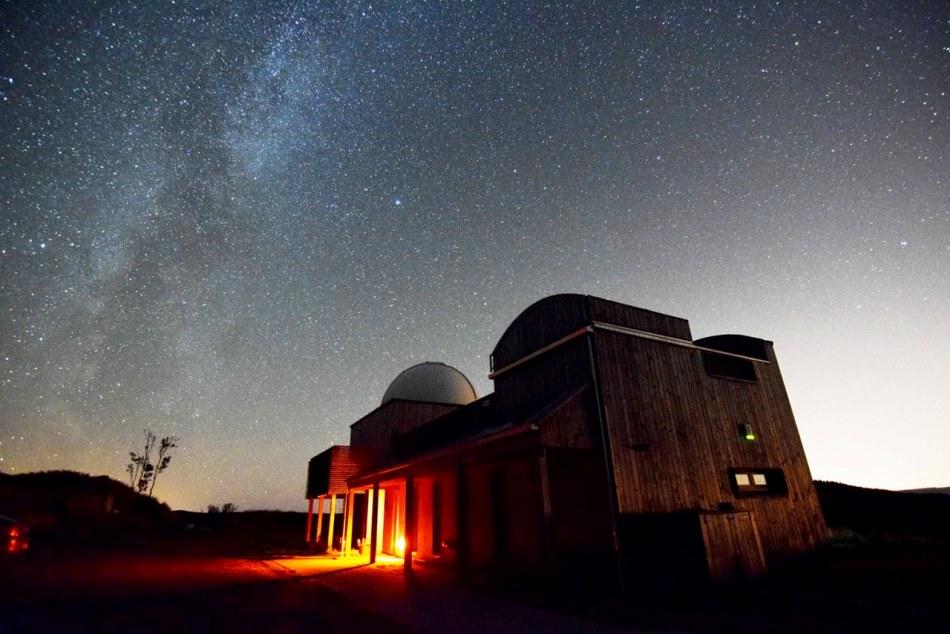 Descubra 11 lugares ao redor do mundo para observar as estrelas