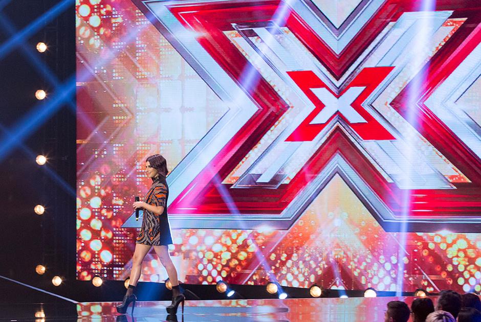 Grupos disputam vaga na fase ao vivo do X Factor Brasil