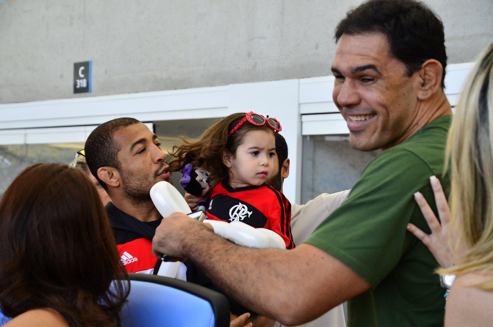Flamengo for Alex muralha e esposa
