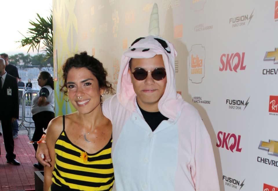 Fantasia de Maria Gadú e casal Selena Gomez e The Weeknd marcam Lollapalooza