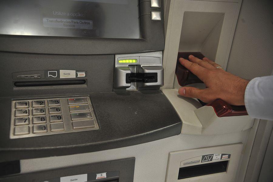 A leitura digital da palma da mão pode substituir o uso da senha futuramente / Antonio Cruz / ABr