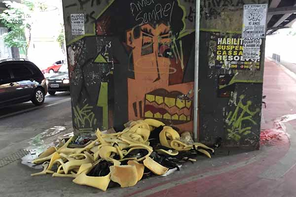 Tumblr posta fotos de sujeiras nas ruas de SP
