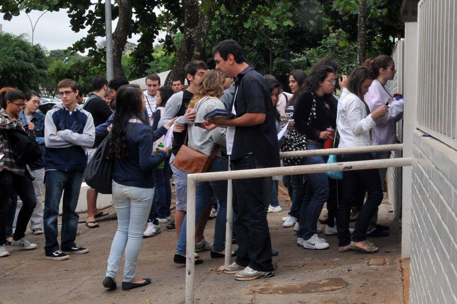 Inscrições para o Enem começam na próxima segunda-feira / Antônio Cruz/ ABr